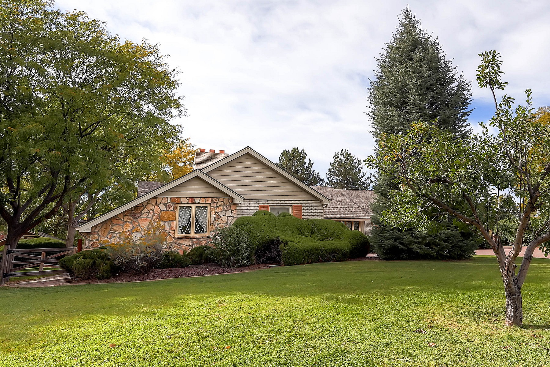 3 Larkdale Drive, Littleton, CO 80123
