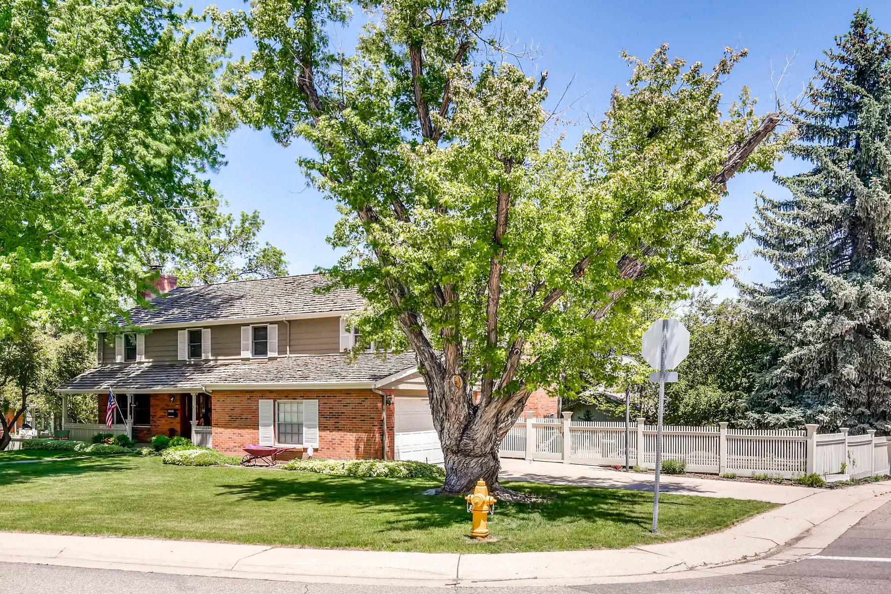 1801 West Briarwood Avenue, Littleton, CO 80120