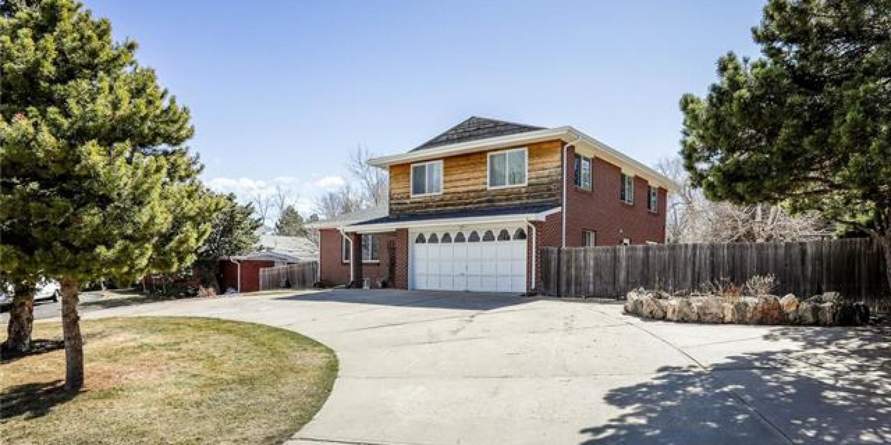 10560 West Glennon Drive, Lakewood, CO 80226