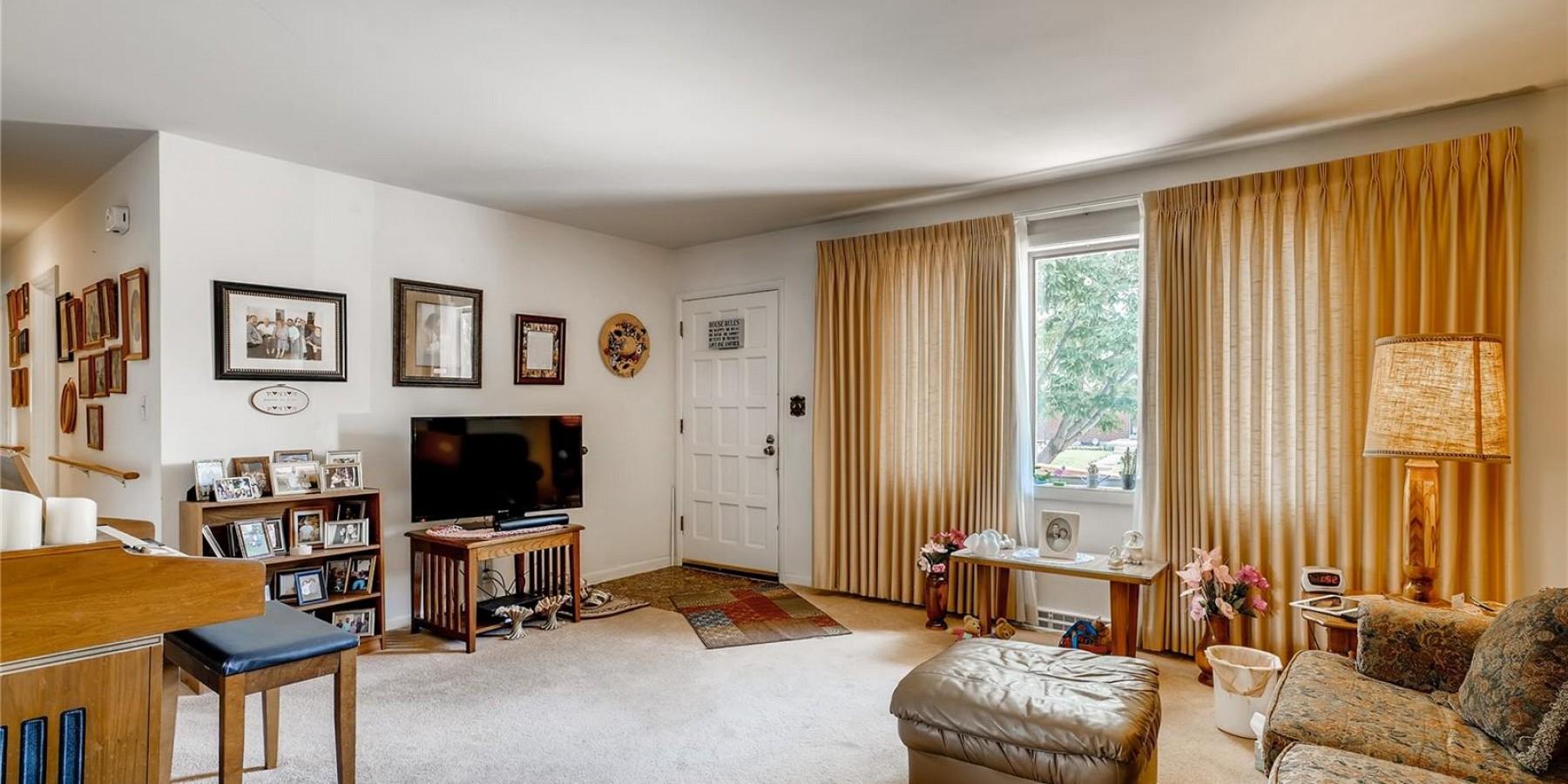 3327 W Grand Avenue, Englewood, CO 80110